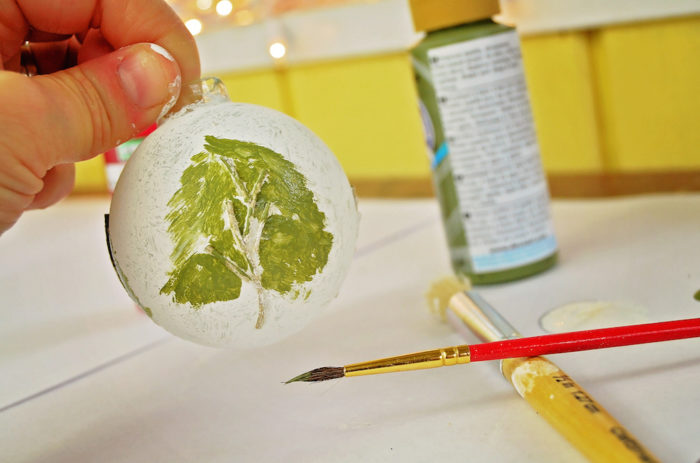 DIY Painted Christmas Ornament