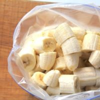 The BEST Way To Freeze Bananas For Smoothies