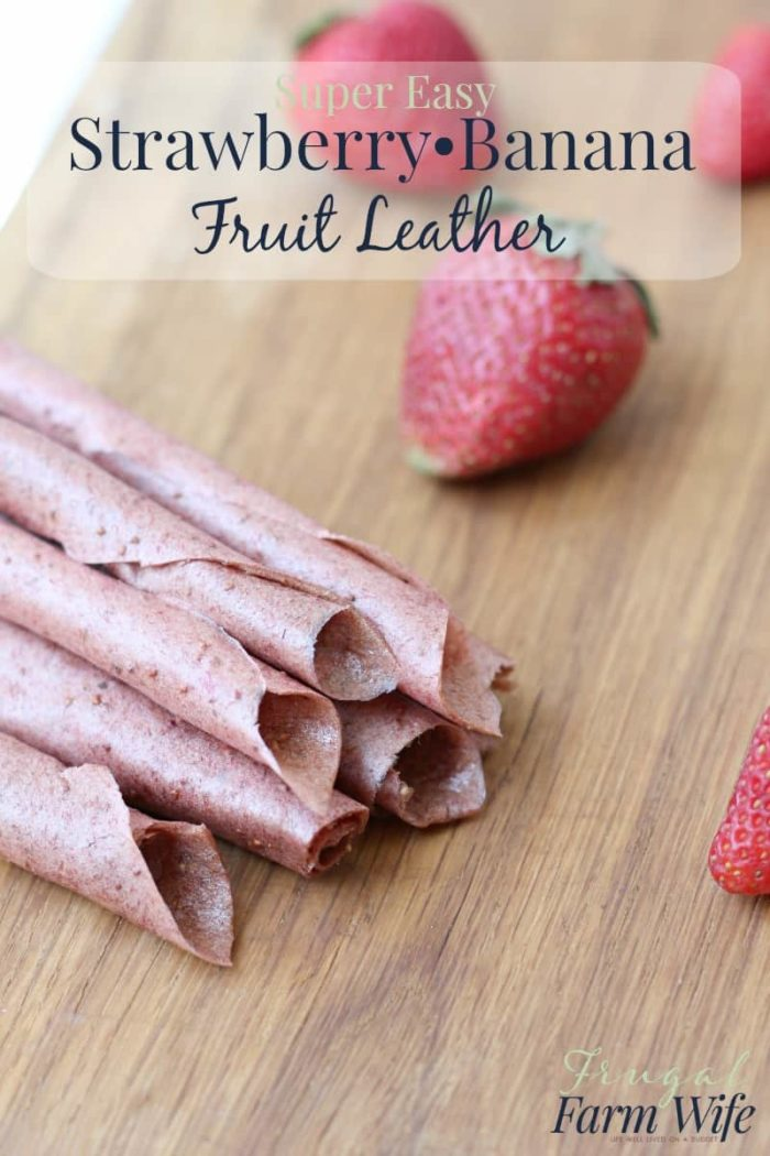 Strawberry-banana fruit leather is so easy to make, and so nutritious! No added sugar at all, thanks for the ripe banana.