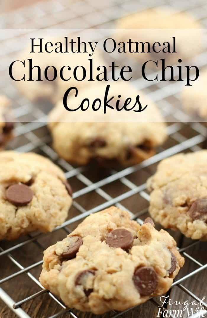 these healthy oatmeal chocolate chip cookies are the best for afternoon snack time!
