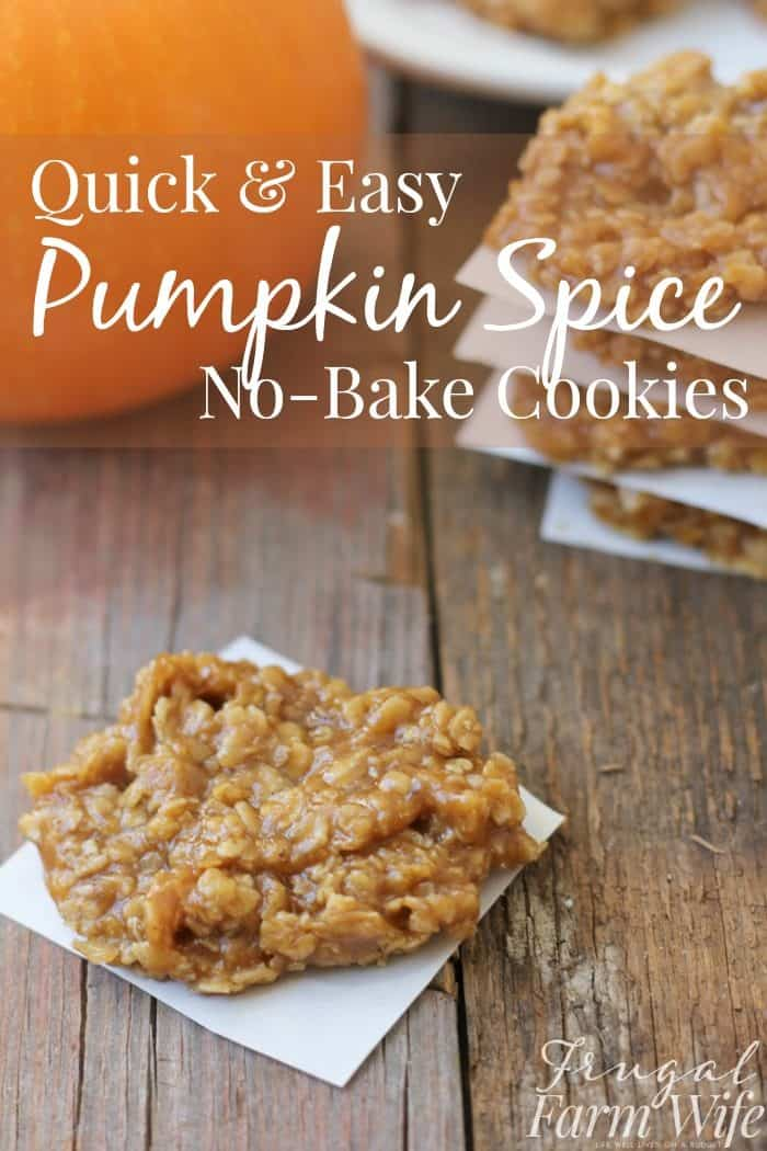 Peanut Butter Pumpkin Spice No-Bake Cookies: These quick, easy pumpkin spice no-bake cookies taste exactly like fall SHOULD taste!