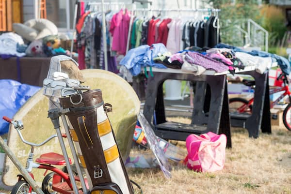 Simple Ways To Turn Your Junk Into Cash: yard sale!