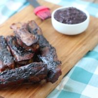easy grilled ribs with blueberry barbecue sauce