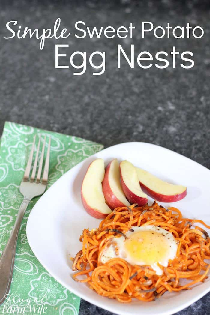These perfectly seasoned simple sweet potato egg nests are the perfect addition to your breakfast or brunch.