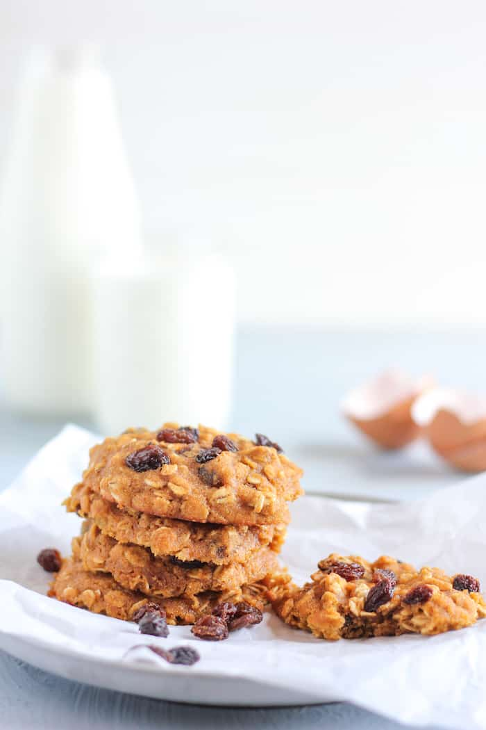 healthy oatmeal raisin cookies with coconut flour